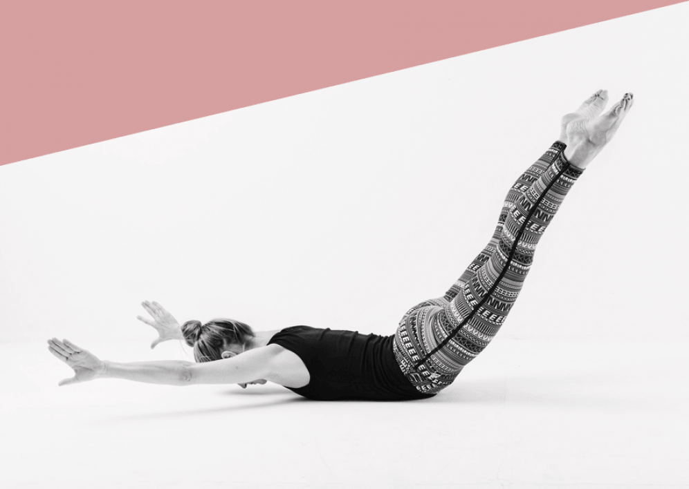 Backstage Studio: Céline Bardy in Pilates-Position