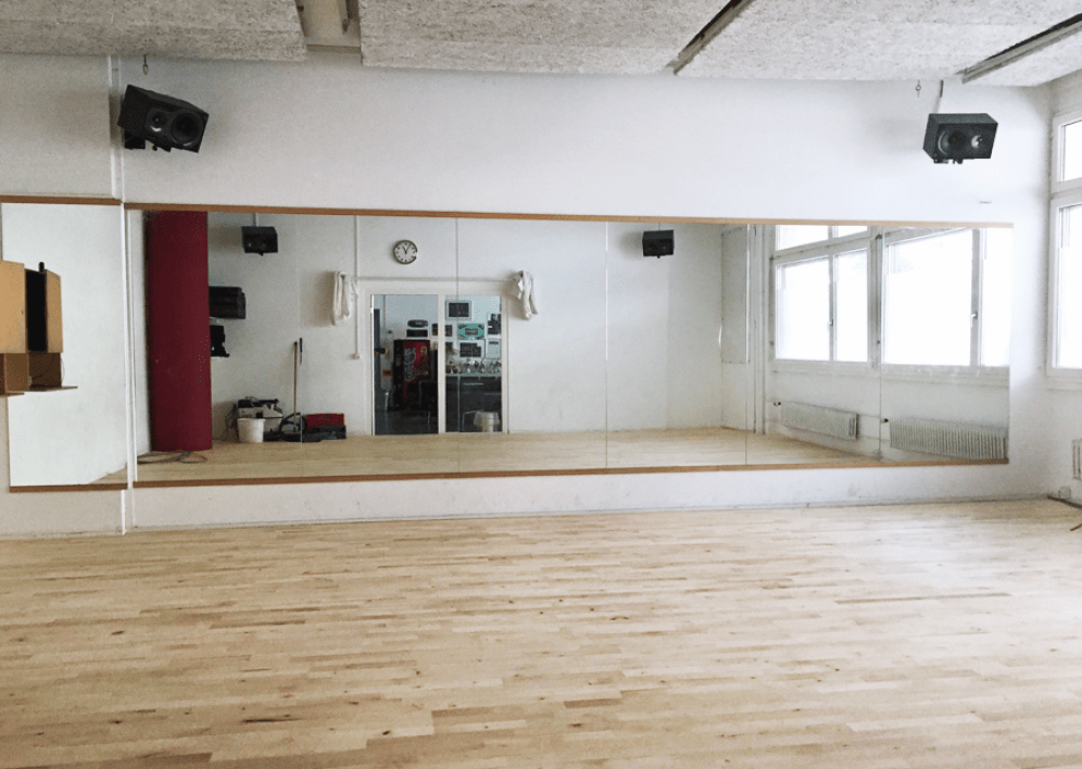 Backstage Studio: Dance studio 2, bright space