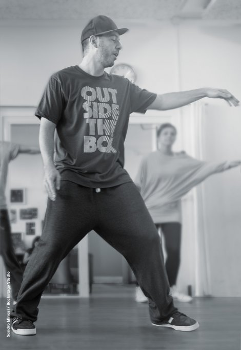 Backstage Studio: Sandro Minasi teaching HipHop class